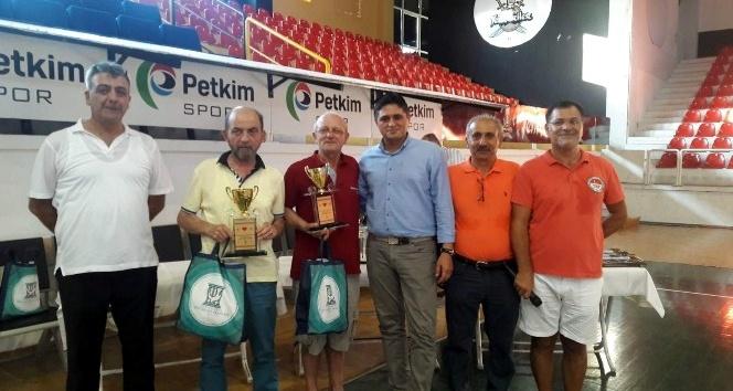 Aliağa'da 5. Briç Turnuvası sona erdi