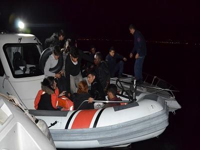 Dikili'de 15 düzensiz göçmen yakalandı