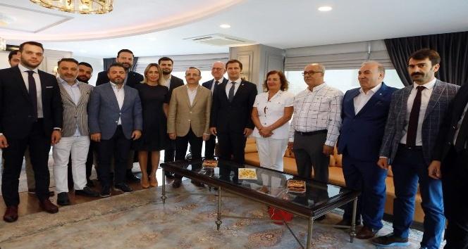 CHP ve AK Parti'nin İzmir başkanlarından önemli mesaj