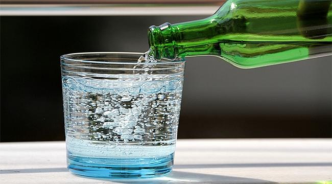 Bir bardak maden suyuyla gelen 10 fayda