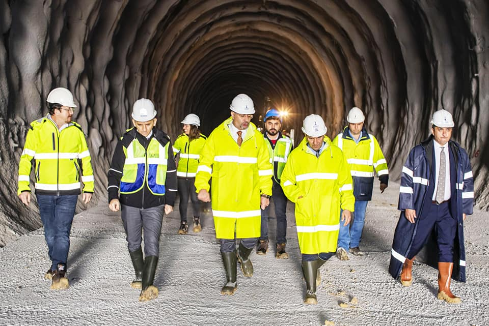 İzmir Büyükşehir Belediyesi, İzmir'in en uzun tünelini tamamlamak için kolları sıvadı.
