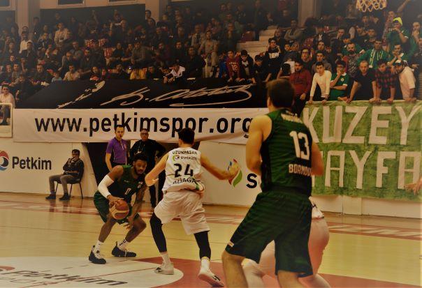 Türkiye Basketbol Ligi'ndeki İzmir derbisinin galibi Bornova Belediyespor