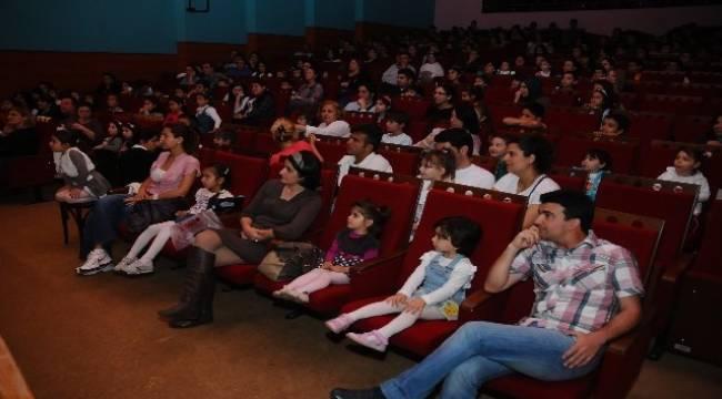 çocuklara tatil sineması
