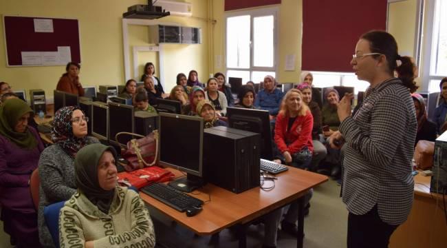Aliağa'da Velilere Mesleki Ve Teknik Eğitim Semineri