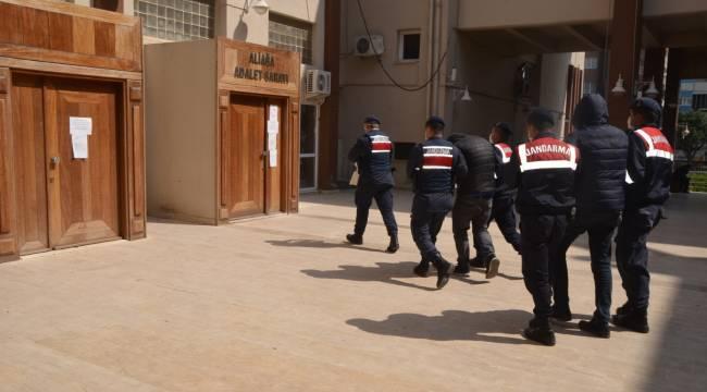 Aliağa 'da Jandarma Hayvan Hırsızlarını Yakaladı