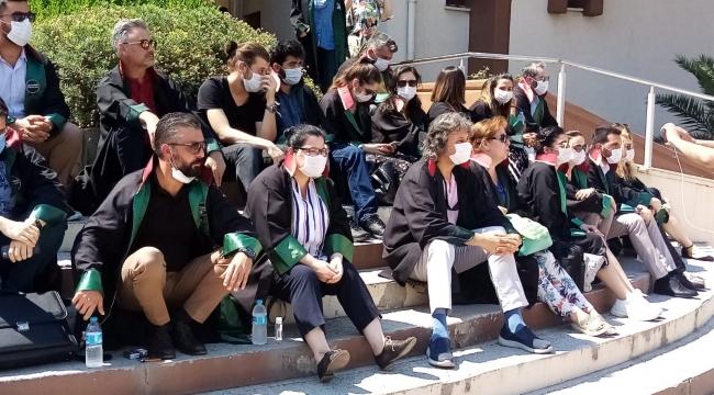Aliağalı Avukatlar'dan 'Çoklu' Protesto