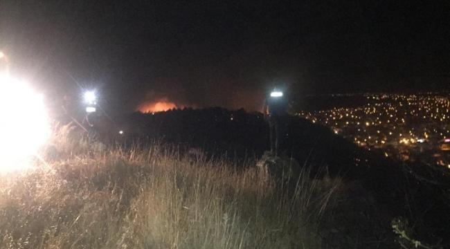 Dikili'de otluk alanda korkutan yangın, çok sayıda ekip müdahale ediyor