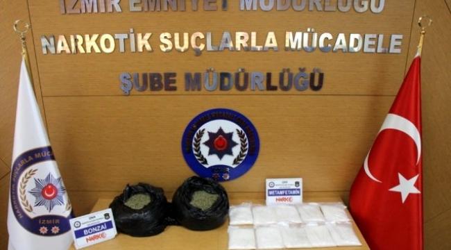 İzmir'de uyuşturucu operasyonu:4 kişi gözaltına alındı
