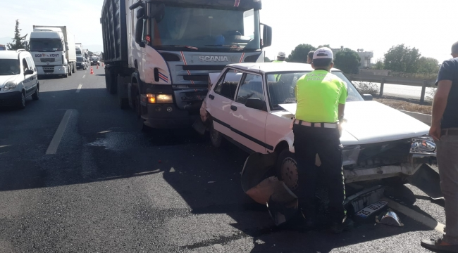 Aliağa'da Trafik Kazası:1 Yaralı