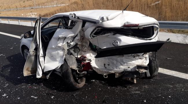 Menemen'de trafik Kazası :3 yaralı