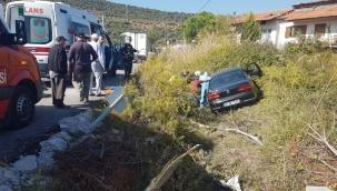 Otomobil önce yayalara çarptı, ardından şarampole uçtu: 4 yaralı