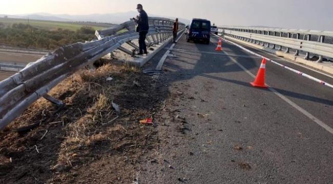 Dikili'de Beton mikseri viyadükten düştü: 1 ölü