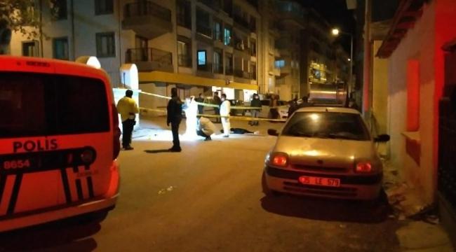 Dikili'de eski koca dehşeti: eski eşini öldürdü, kayınvalidesini ve komşusunu yaralayıp intihar etti