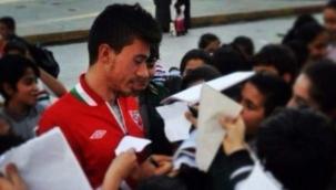 Enkazdan kurtarılan amatör futbolcu Malik Tahirler hayatını kaybetti