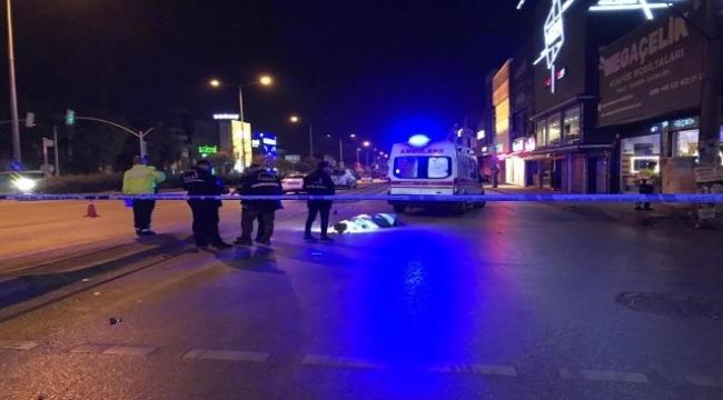 İzmir'de otomobilin çarptığı kişi yaşamını yitirdi