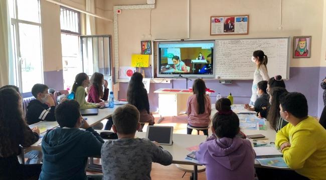 Aliağa Ortaokulu kapılarını Avrupa'ya açıyor!