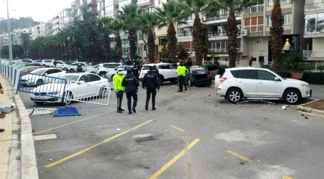 İzmir'de trafik kazası 1 ölü, 1 yaralı