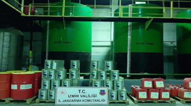 İzmir'de 22 bin litre kaçak akaryakıt ele geçirildi