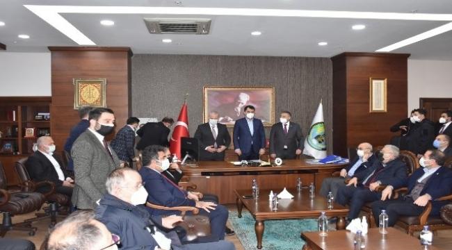 Bakan Kurum'dan Menemen Belediyesine ziyaret
