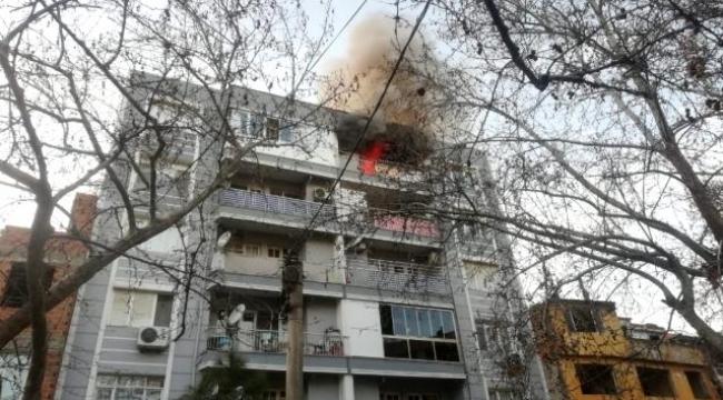 Bergama'da bir apartman dairesinde çıkan yangın korkuttu