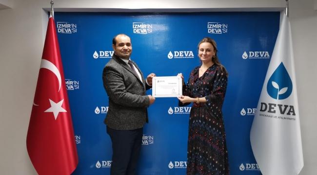 DEVA, İzmir'de yarıladı