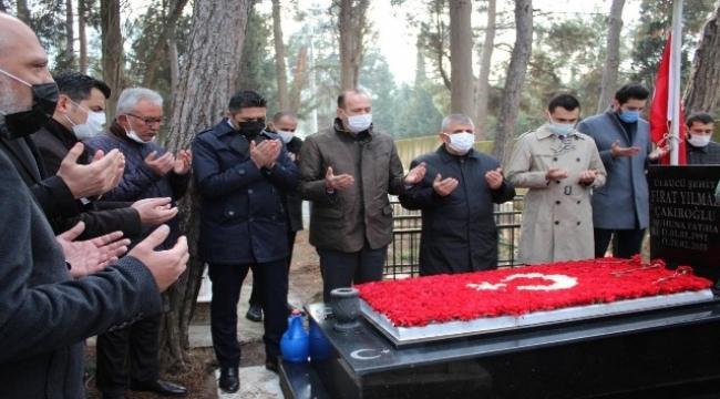 Fırat Yılmaz Çakıroğlu, ölümünün 6'ıncı yılında kabri başında anıldı