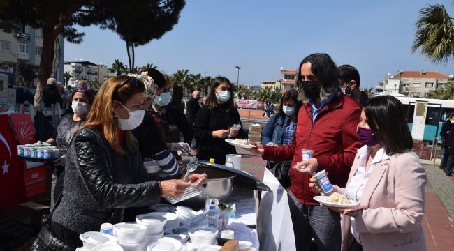 CHP Aliağa Kadın Kollarından Hayır Yemeği