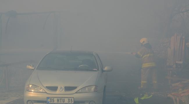 Aliağa 'da konteyner ev yangını: Karı-koca dumandan etkilendi