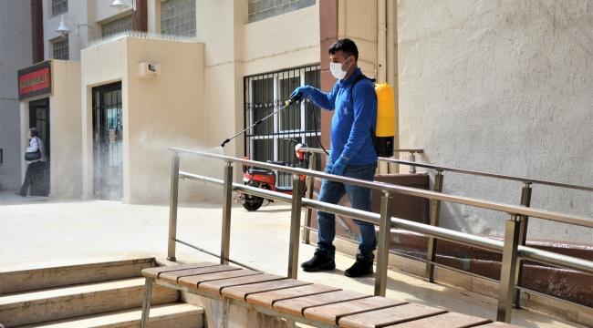 Aliağa'da Ortak Kullanım Alanları Dezenfekte Ediliyor