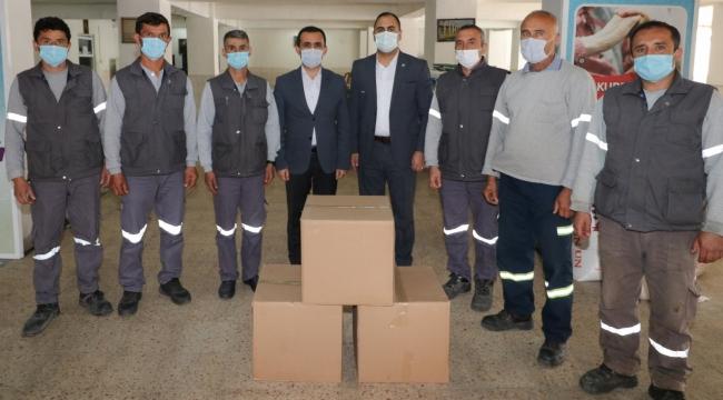 Bergama Belediyesi TİS sözleşmesi olmayan işçilerine gıda
