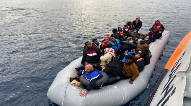 Dikili 'de 64 düzensiz göçmen kurtarıldı