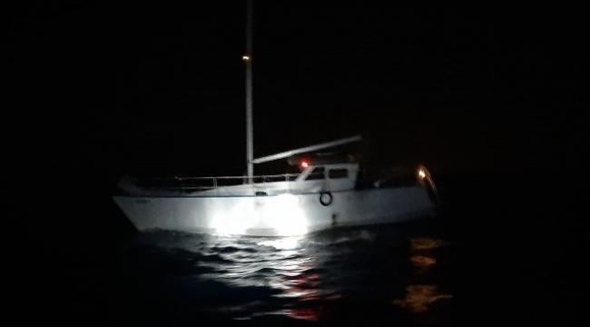62 göçmen ve 2 göçmen kaçakçısı yakalandı