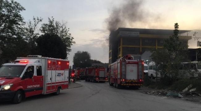 plastik fabrikasında çıkan yangın hasara neden oldu