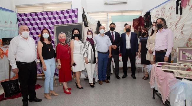 Aliağa Tüpraş Halk Eğitimi Merkezi'nde El Emeği Ürünler Görücüye Çıktı